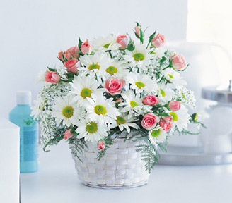 Daisies and Rose Buds Basket