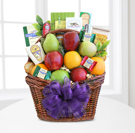 Fruitful Greetings Gourmet Basket (Best)