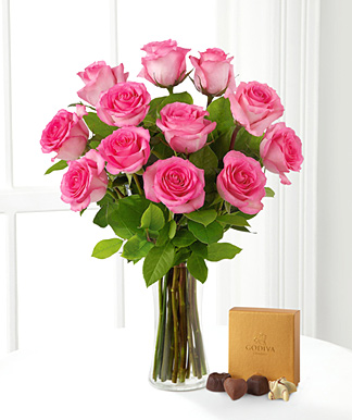 Pink Roses Bouquet with Chocolates and Vase