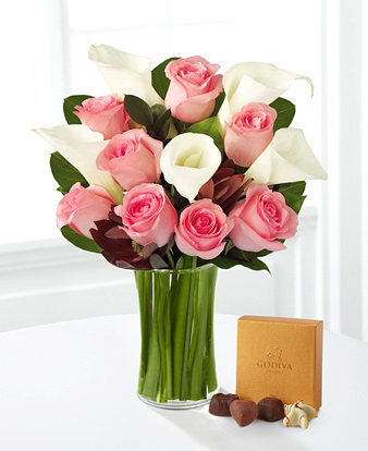 Fabled Beauty Bouquet with Chocolates and Vase